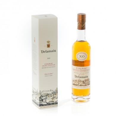 Emballage personnalisé pour bouteille de cognac Delamain. Création Thibault-Bergeron.